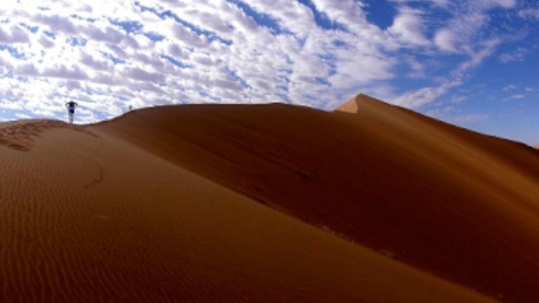 100 km of Namib Desert: Durch die berühmten roten Dünen von Namibia