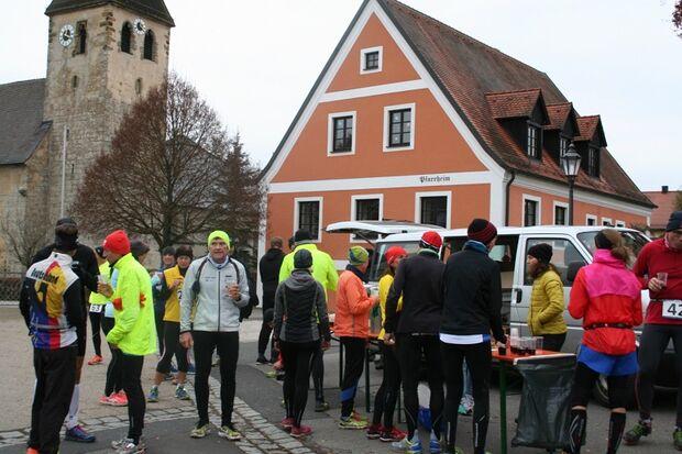Alle 10 km gibt es beim Amberger Ultralauf Verpflegungsstände.