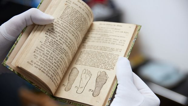 Altes Fachbuch von 1791 mit Abbildung zur Leistengeometrie