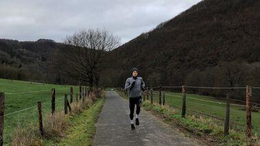 Anstiege hochlaufen ist eine sehr effektive Trainingsform.