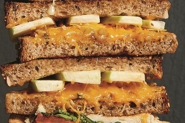 Apfel Käse Sandwich Rezeptidee Bild