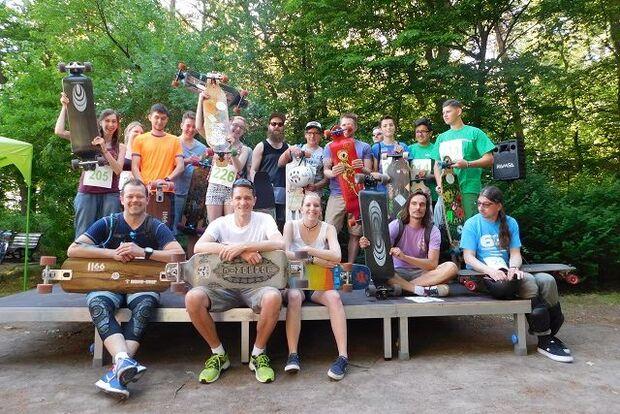 Auch Longboarder sind beim Uferbahnlauf in Berlin-Grünau dabei.