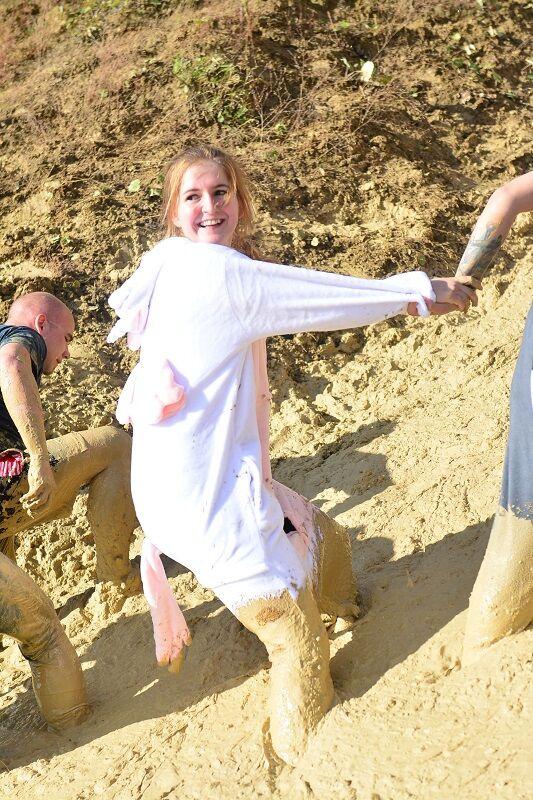Bad Wolf Dirt Run: Teamwork am Anstieg