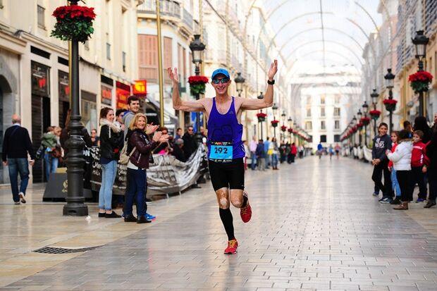 Beim Marathon in Málaga herrschen auch im Dezember milde Temperaturen.
