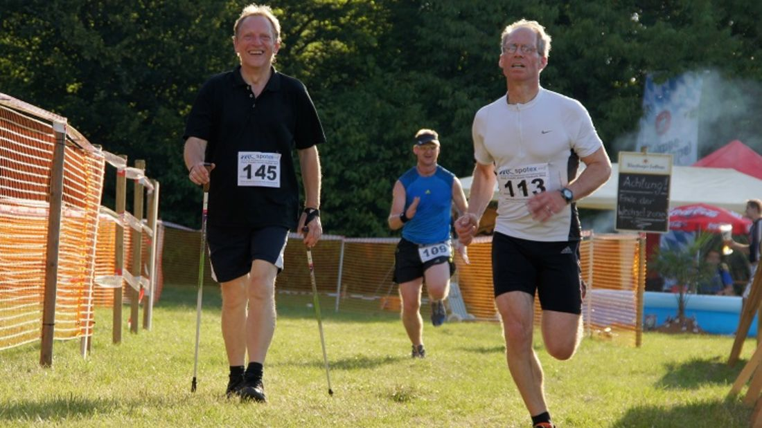 Benefizlauf Külsheimer Trail Run: Teilnehmer beim Zieleinlauf