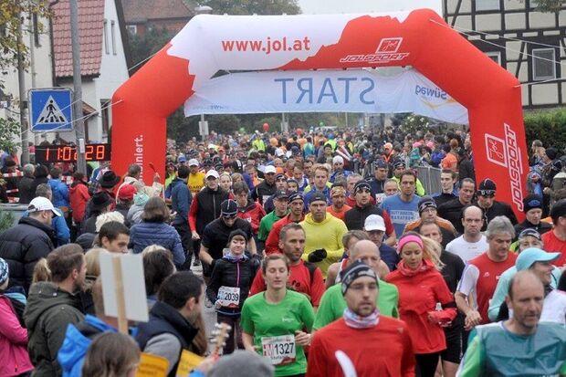 Bottwartal-Marathon: Start des Halbmarathon in Gronau