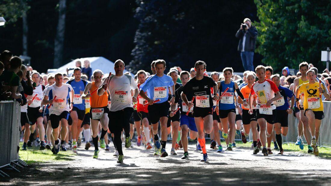 Der MOPO Team-Staffellauf führt auf fünf Runden durch den Hamburger Stadtpark.