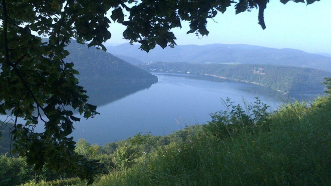 Die Run & Boat Urwaldchallenge führt durch den Nationalpark Kellerwald-Edersee.