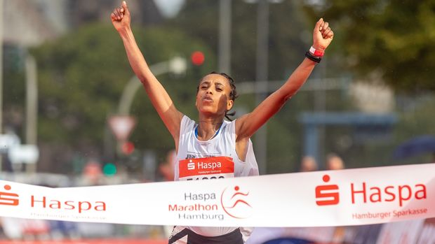 Gadise Mulu gewinnt Marathon Hamburg 2021