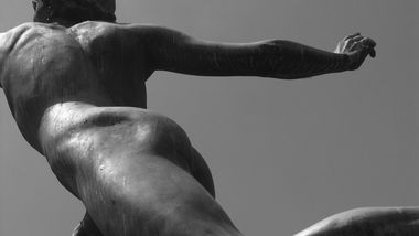 Hüften – Skulptur