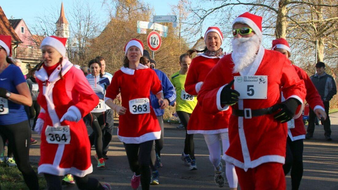 Ilsfelder Nikolauslauf: Laufen im Nikolausoutfit