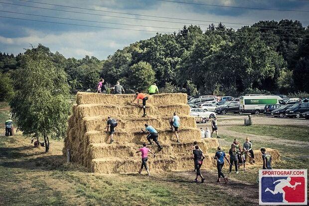 Klettern beim Survival-Run Hodenhagen