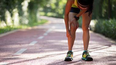 Läuferin mit Schienbeinschmerzen