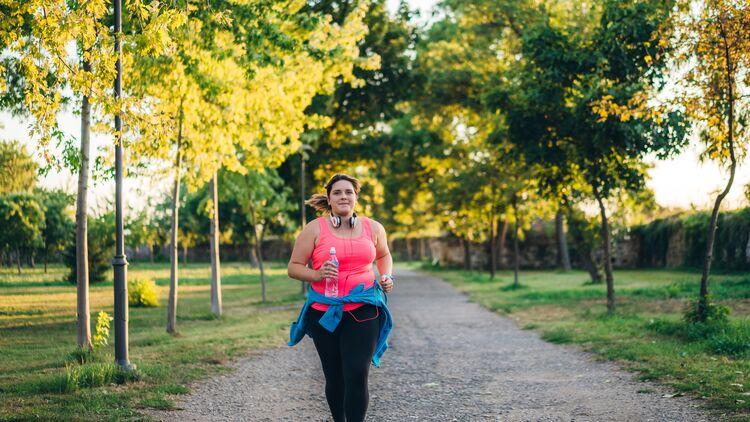 Fangen Sie an, übergewichtig übergewichtig zu laufen laufen