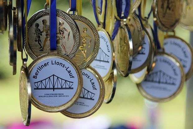 Medaillen beim Berliner Benefiz Lions-Lauf