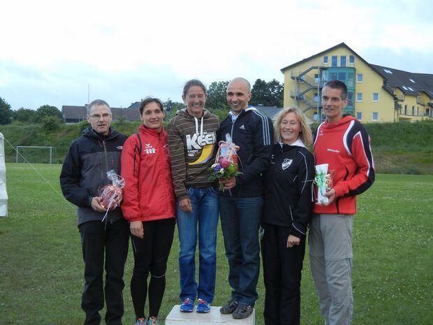 Rakkeschlauf Roetgen: Strahlende Siegerinnen und Sieger im Halbmarathon