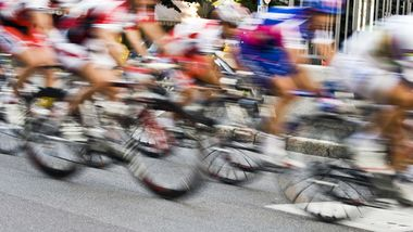 Rennrad: Dichtes Fahrerfeld