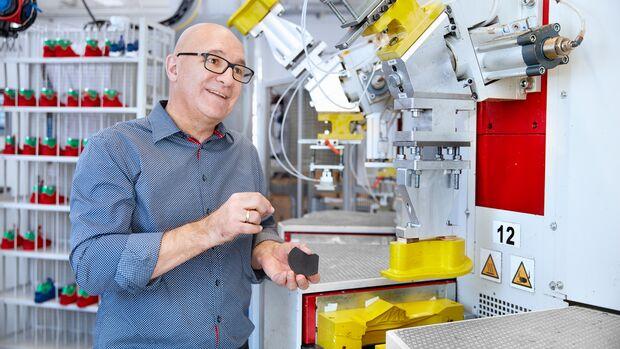 Schuhentwickler Jens Schmidt im Footwear Innovation Lab in Pirmasens