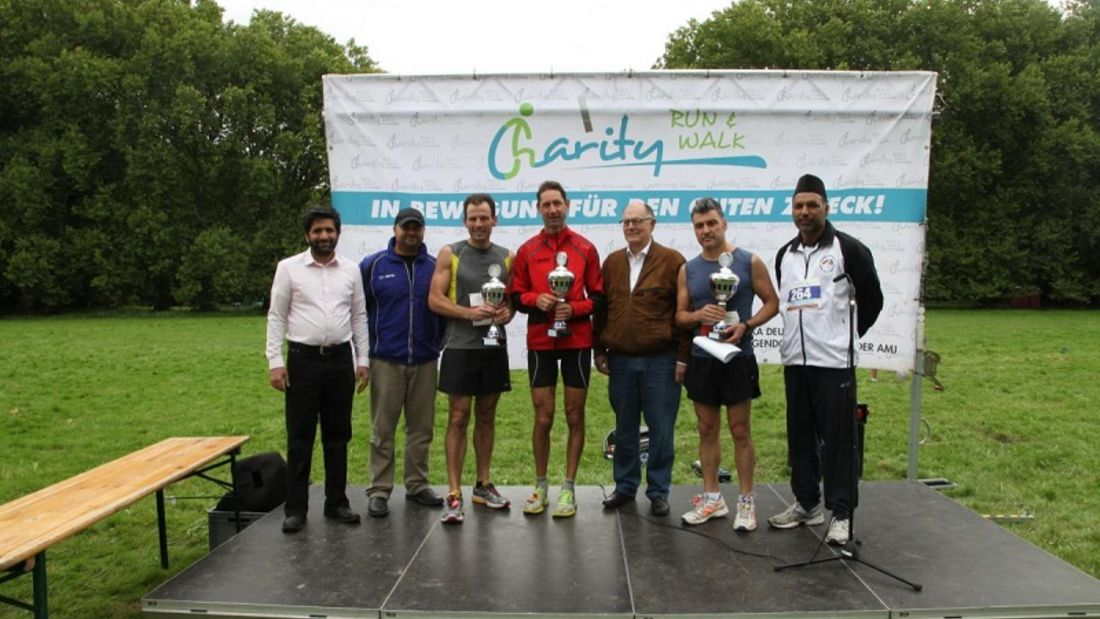 Siegerehrung beim Charity Walk & Run Köln