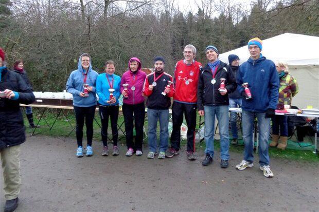 Siegerehrung beim Osnabrücker Rubbenbruchsee-Marathon