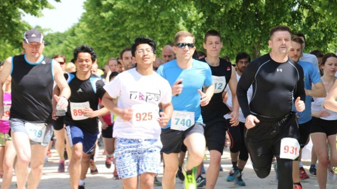Start zum Charity Walk & Run Frankfurt