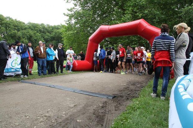 Start zum Charity Walk & Run Köln