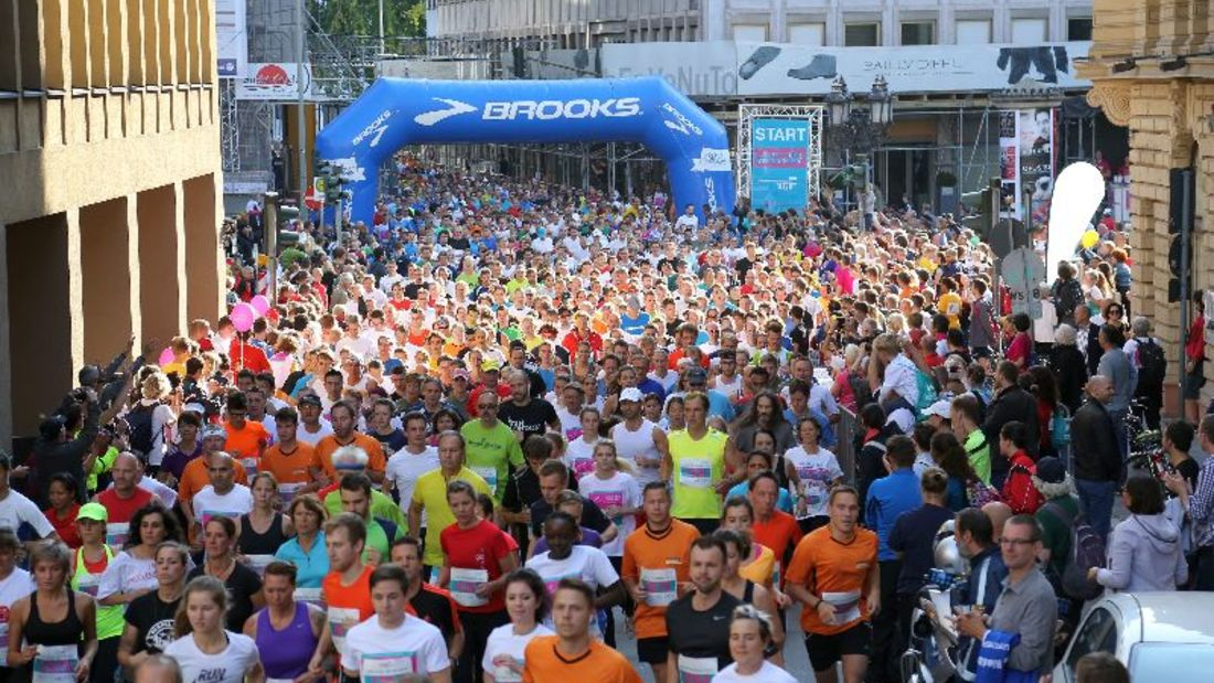 Start zum Lauf für mehr Zeit Frankfurt in Frankfurt