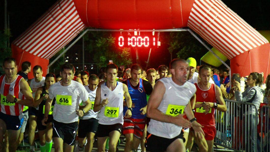 Start zum Nacht-Marathon in Novi Sad