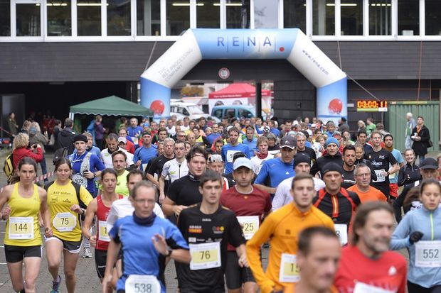 Start zum WING-Halbmarathon in Furtwangen