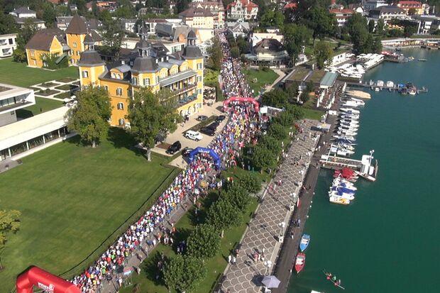Start zum Wörthersee-Halbmarathon vor dem Schlosshotel Velden