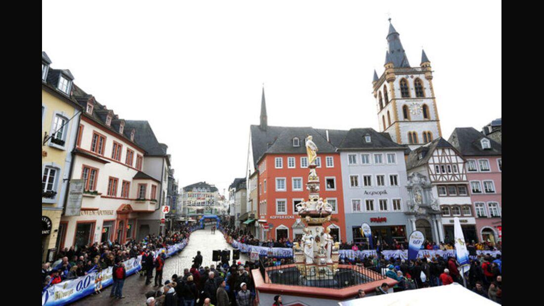 Startbereich Trierer Silvesterlauf 2014