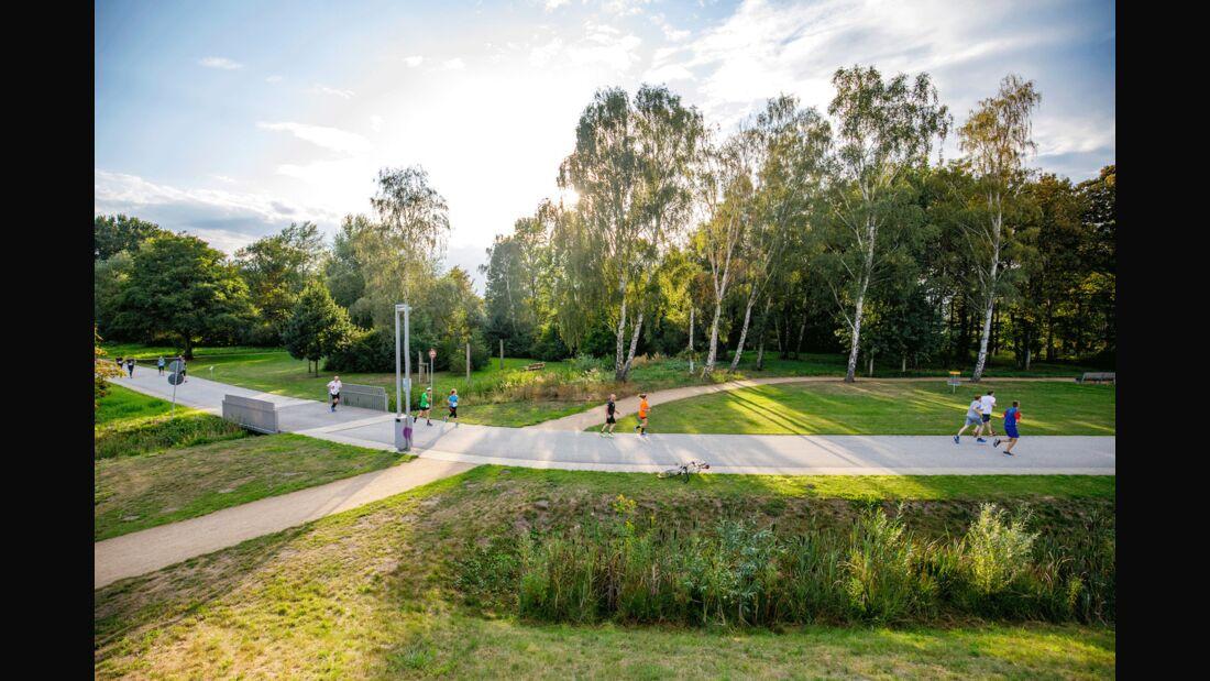 Streckenimpression vom Inselparklauf Wilhelmsburg.
