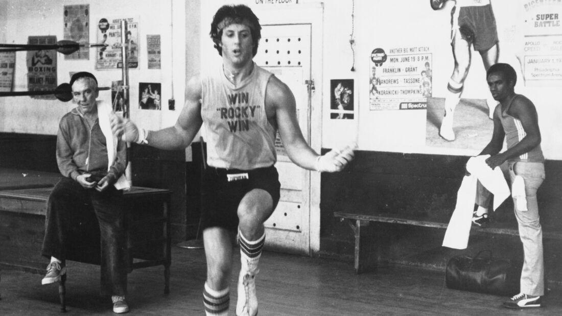 Sylvester Stallone aka. Rocky Balboa beim Seilspringen in Rocky II.
