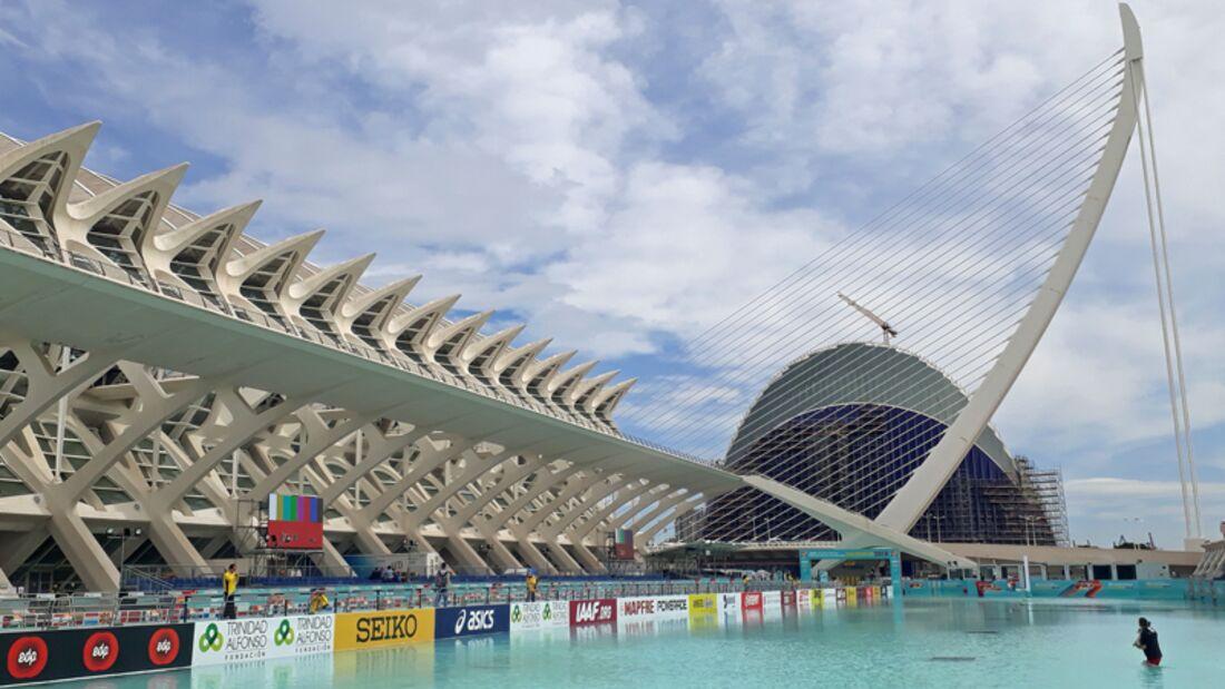 Valencia Medio Maraton: Der Halbmarathon führt an der Ciutat de les Arts i les Ciències vorbei.