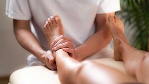 Wichtig bei Verdacht auf eine Beinlängendifferenz ist eine ausführliche und eingehende Anamnese und Befunderhebung durch einen Physiotherapeute