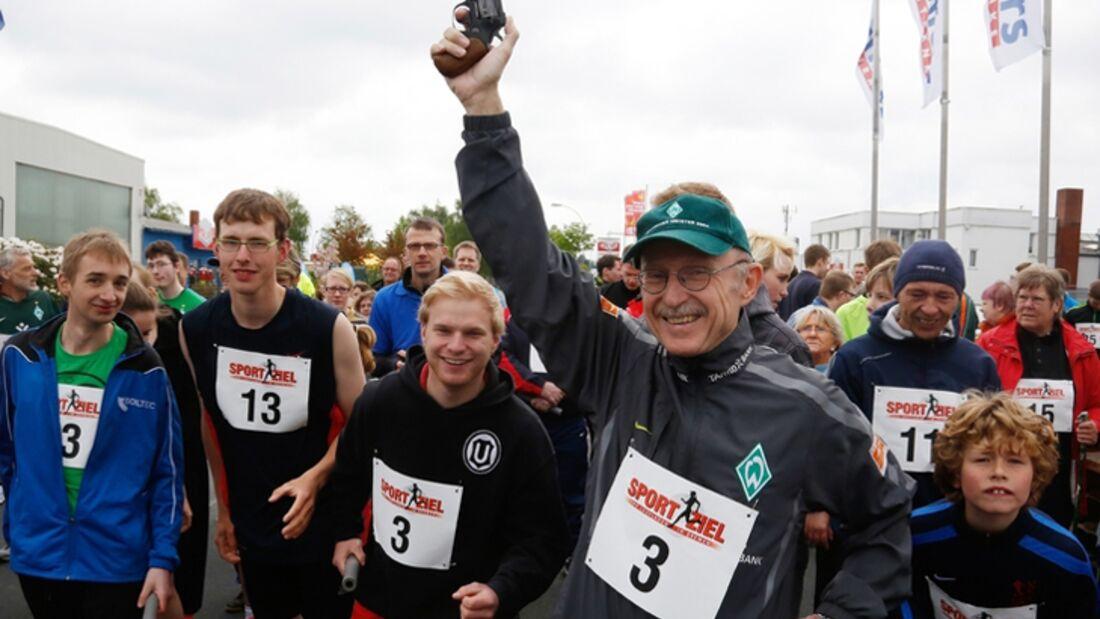 Willi Lemke gibt den Startschuss zum I-Run in Achim