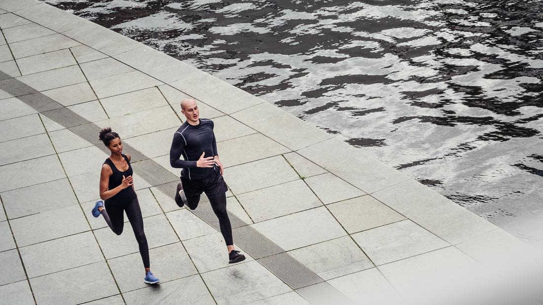 Wir haben die wichtigsten Lauftipps zusammengestellt – für Jogger, Freizeitläufer, aber auch für ambitionierte Läufer mit Leistungsanspruch.