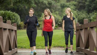 Wie man schneller beim Gehen Gewicht verliert und