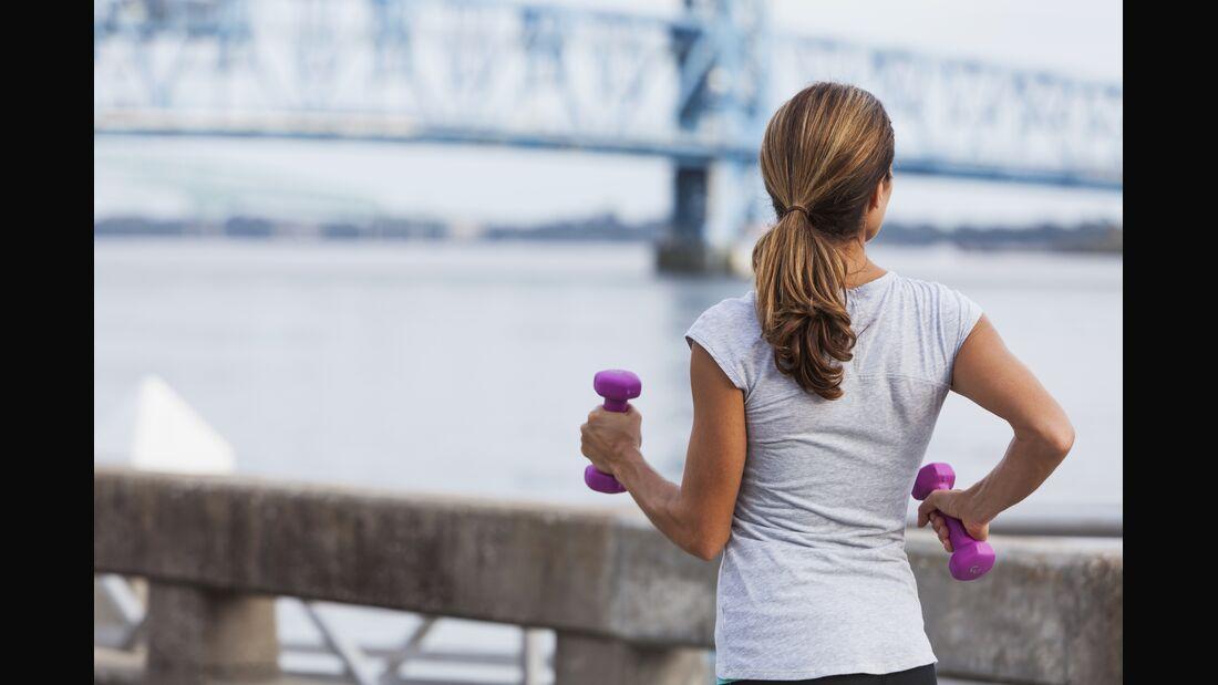 Ongekend Laufen mit Gewichten - RUNNER'S WORLD VS-48