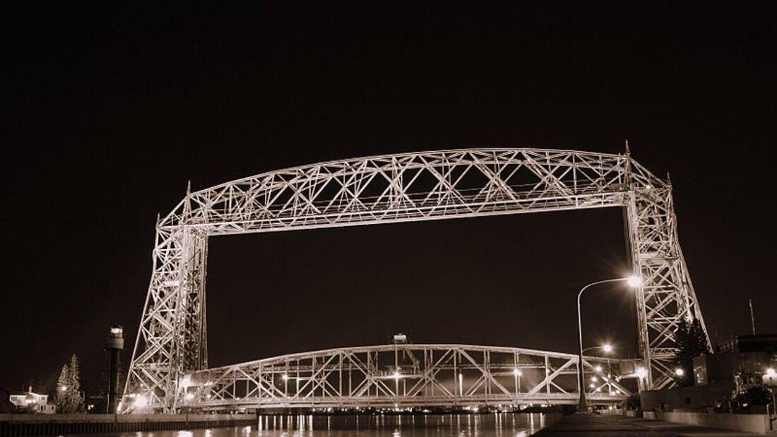 landmark--Duluth--Aerial Lift Bridge